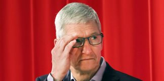 Trade war fears are spoiling Apple's great quarter