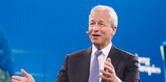 JPMorgan CEO Jamie Dimon shares success advice to college graduates