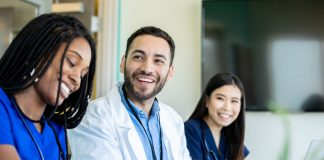 UK college offers medical students $13,700 to defer their degree
